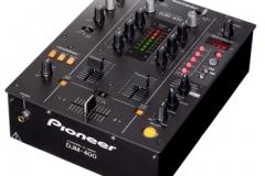 Pioneer DJM 400.
